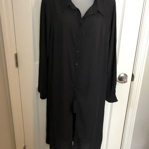 Long button down. Sz small in City Chic (sz14-16)
